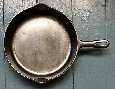 Antique Griswold No. 9  Cast Iron Skillet A - Small Logo
