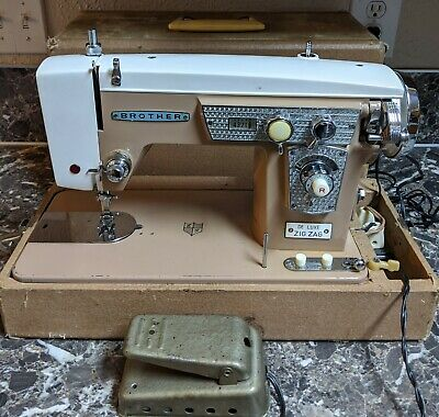 Brother De Luxe Zig Zag Sewing Machine w/ Case Vintage Tested Made in Japan