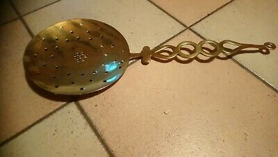 brass sieve / scoop