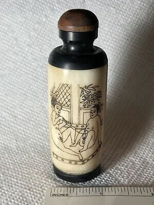 Antique Erotic Chinese Snuff Bottle in Ebony Horn and Bone, Finely Drawn Figures