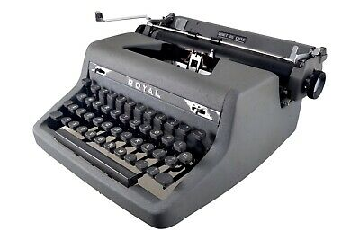 Vintage ROYAL QUIET DELUXE Manual Portable Typewriter AG-2221196 WWII