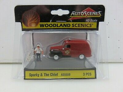 NEW Woodland Sparky /& The Chief HO Scale AS5559