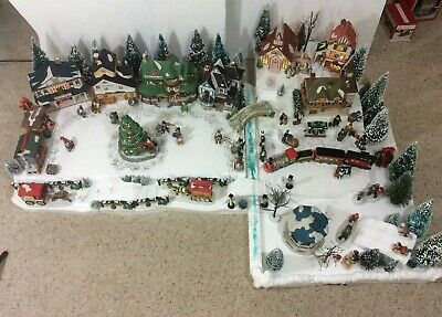 Huge Lighted Christmas Village Lemax Dickensvale Noma Dickensville W/Platforms