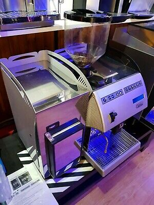 Commercial bean to cup coffee machine CARIMALI F11 + Milk fridge