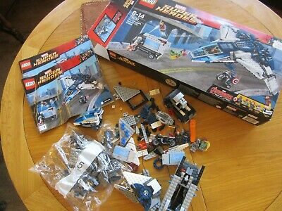 Lego Marvel Super Heroes 76032 Avengers Quinjet City Chase Mini figures
