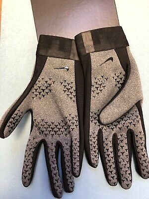 Nike Academy Hyperwarm gloves, size Youth Small, Grey And Black.