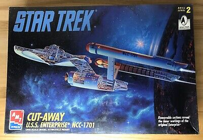 Star Trek : USS Enterprise 1701 Cut Away Model Kit by AMT/Ertl 8790