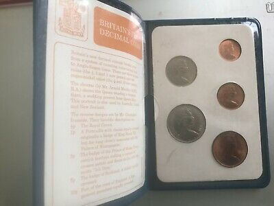 Britains first Decimal coin set mint condition, all coins new and uncirculated