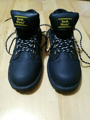 Earth Works Boots Lace Up Black Size 10 worn once or twice
