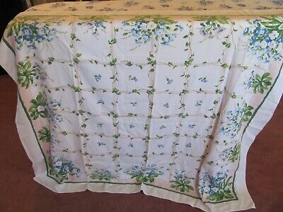 Vintage Floral Print Breakfast Tablecloth - Lattice Garden Flowers - Parisian