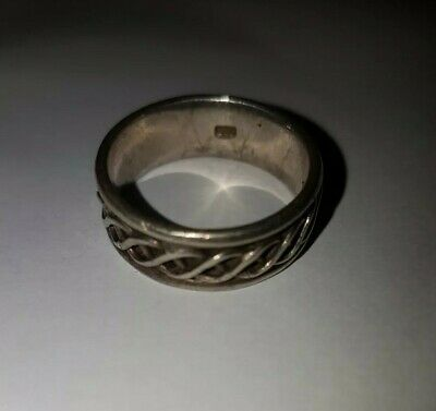 Silver 925 Celtic / gotic Style Band mens / unisex Ring Size R