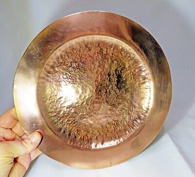VINTAGE ARTS & CRAFTS HEAVY HAMMERED COPPER PLATE 543 grams. NO MAKERS MARK