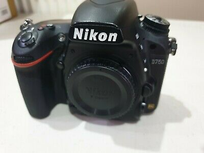 Nikon D750 Body Only - Great Condition!! Great Camera!! 2 x 64GB Cards Plus More