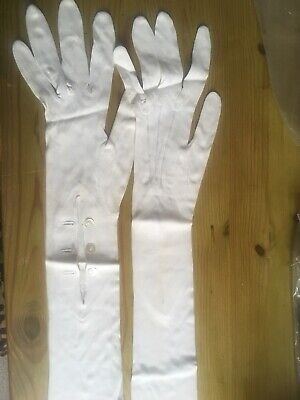 Beautiful Vintage Ladies Gloves With Buttons Small