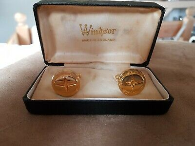 Vintage Pair Gold Tone Cufflinks By Windsor