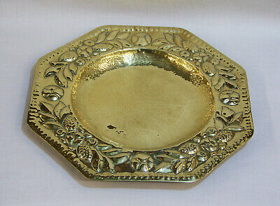 Antique Arts & Crafts Brass Leaf & Berry Design Octagonal Alms Dish Tray Plaque.