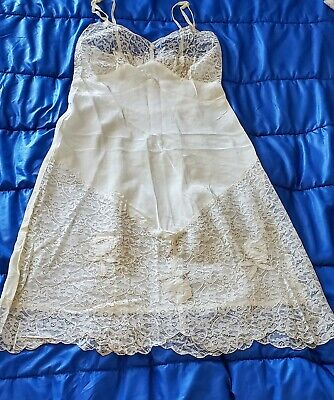 Vtg. Full ARISTORCRAFT rayon Satin Beige SLIP. Size 34 lots of LACE. GREAT COND.