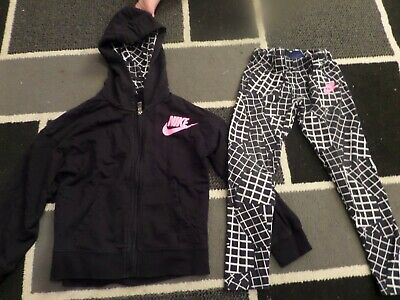 Girls Black Nike Tracksuit/Outfit Size 6-7 Yrs