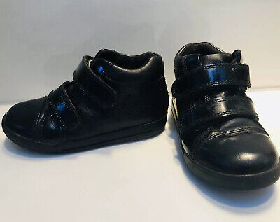 Clarks Patent Leather Black Shoes / Boots Infant Size 7.5G VGC School RRP £38!