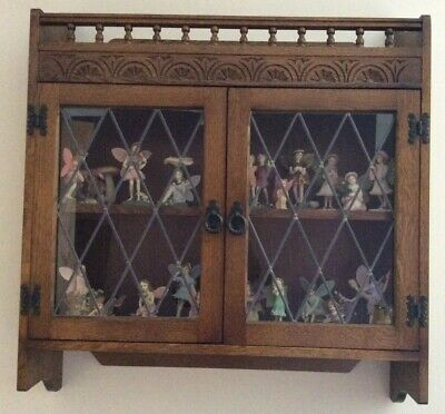Old Charm Medium Oak Wall Display Unit, Leaded Glass Doors