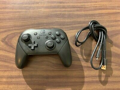--Nintendo Switch Black Pro Controller -- with Charging cable -- Tested