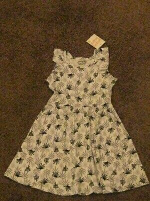Jumping Beans  NWT    Girls Size 6    White Tropical Dress with Flutter Sleeves