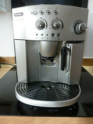 DeLonghi Magnifica Bean-to-cup Espresso / Cappuccino Coffee Machine Esam4200s
