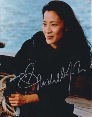 Michelle Yeoh 007 James Bond Authentic Autograph  Way Lin Tnd!