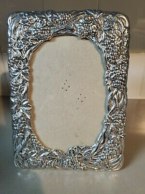 "1990 Arthur Court Grapevine Picture Frame - 5.5"" X 8"" Actual - 4"" X 6"" Picture"