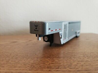 1:64 GreenLight CUSTOM wilson Forman *GUN METAL GRAY*  LIVESTOCK TRAILER