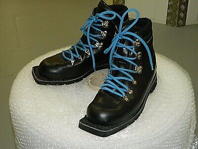 Mens vintage Merrell Nordic Norm leather Ski Boots ..Size 10 ..Made in Italy
