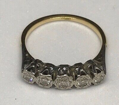 An early-mid 20th Century 18ct Gold and Diamond five stone ring - Size O