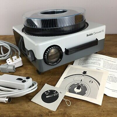 Kodak Carousel S 35mm slide projector + 70-120mm lens - magazine Type 2 - leads