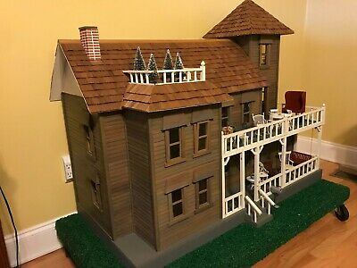 All wood Dura Craft Victorian Dollhouse V-H 600 FULLY FURNISHED