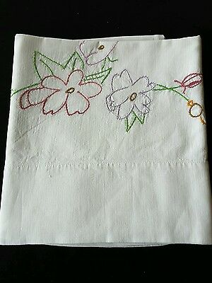 Vintage Embroidered Flowers Pillowcase Linens