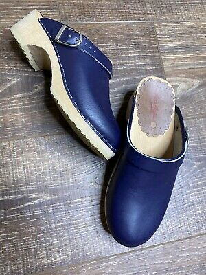 NWT HANNA ANDERSSON SWEDISH WINGED BOOT CLOGS SILVER 36 4