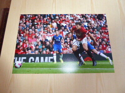 "Harry Maguire Manchester United 12"" x 8"" photograph original autograph signed"