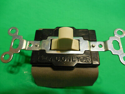 Pass & Seymour 1221-I Industrial Switch, Maintained, Center OFF, 20A 120-277V