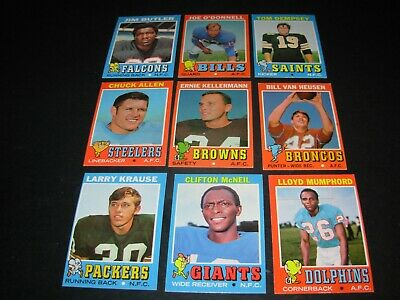 "1971 Topps football common cards  ""You Pick 3""    $2.25   13 lots of 3 available"