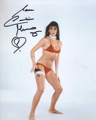 007 Bond girl CAROLINE MUNRO signed 8x10 Captain Kronos poster photo