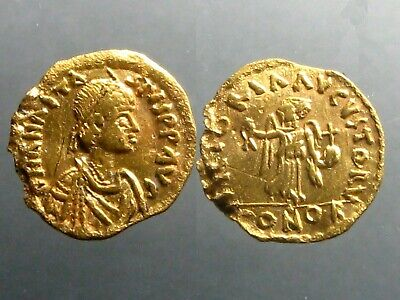 ANASTASIUS GOLD TREMISSIS__________Constantinople Mint_________ADVANCING VICTORY