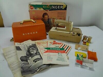 Vintage Singer Sewhandy childrens electric sewing machine Great Britain Gilbert