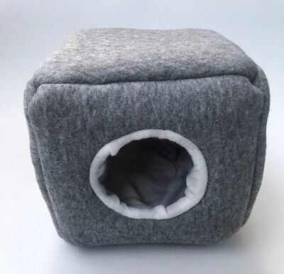 Cozy cube house for hedgehogs and guinea pigs. Padded feece house.