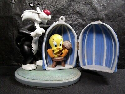 "Warner Brothers   Looney Tunes   Sylvester And Tweety   "" Shhh, Bird Sleeping """