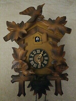Black Forest 'Animated Bird' Cuckoo Clock - Complete - (needs bellows repairs)-