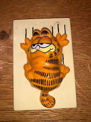 Vintage GARFIELD 1978 1981 Light Switch Cover Plate Scratching