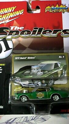 JOHNNY LIGHTNING THE SPOILERS 1972 BUICK RIVIERA #100 STREET FREAKS 1:64 Scale