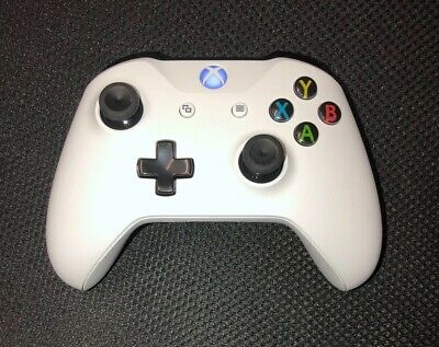 Microsoft Xbox One Wireless Controller - White.