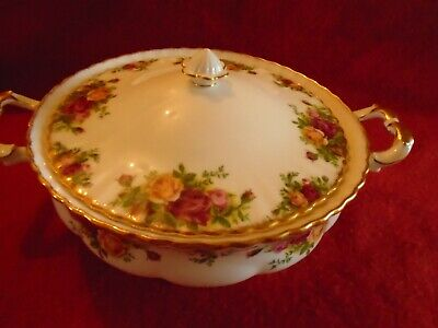 Royal Albert Old Country Roses **  A LIDDED VEGETABLE TUREEN 1ST Q.VGC***