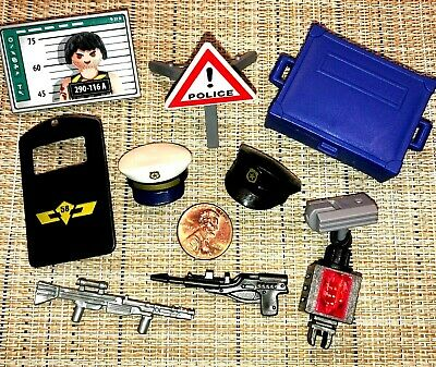 q4~PLAYMOBIL Pick 1~GUN~HOLSTER~WANTED SIGN~TARGET CANS~CAMPFIRE~HAT~TREE BRANCH